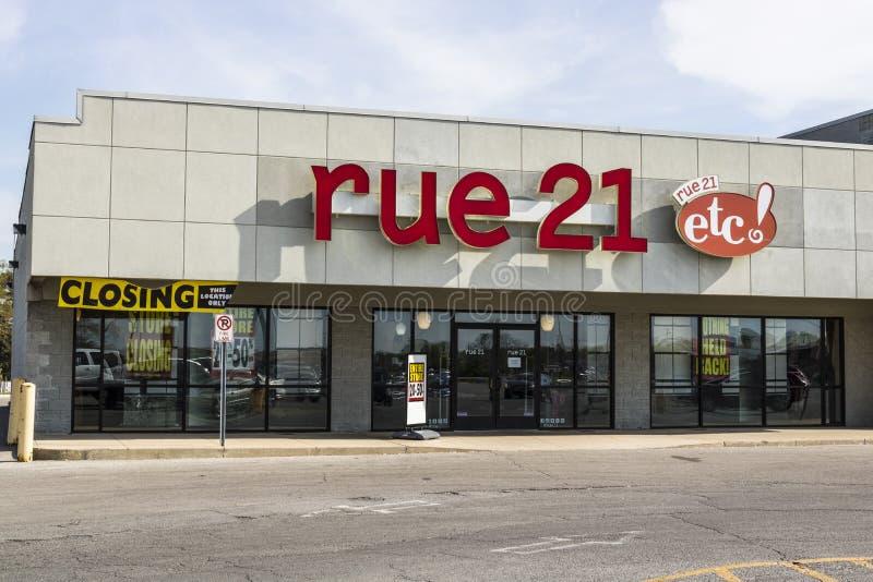 Marion - Circa April 2017: för remsagalleria för detaljhandel rue21 läge rue21 stänger omkring en tredjedel av dess diversehandel royaltyfri fotografi
