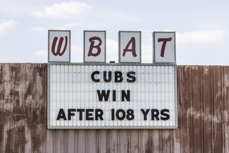 Marion - Circa April 2017: Sportradiostationen WBAT 1400 f.m. firar segern I för Chicago Cubsvärldsserien royaltyfri fotografi