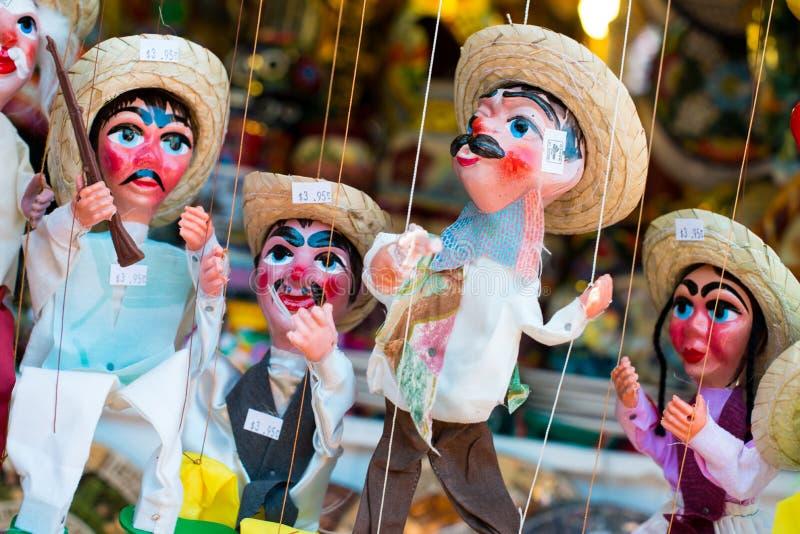 Marionette für Verkauf lizenzfreie stockbilder
