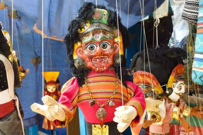 Marionnette à vendre à un marché en plein air Katmandou, Népal photo stock