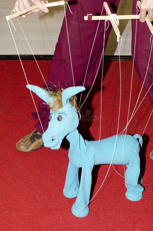Marionnette de ficelle d'âne images libres de droits