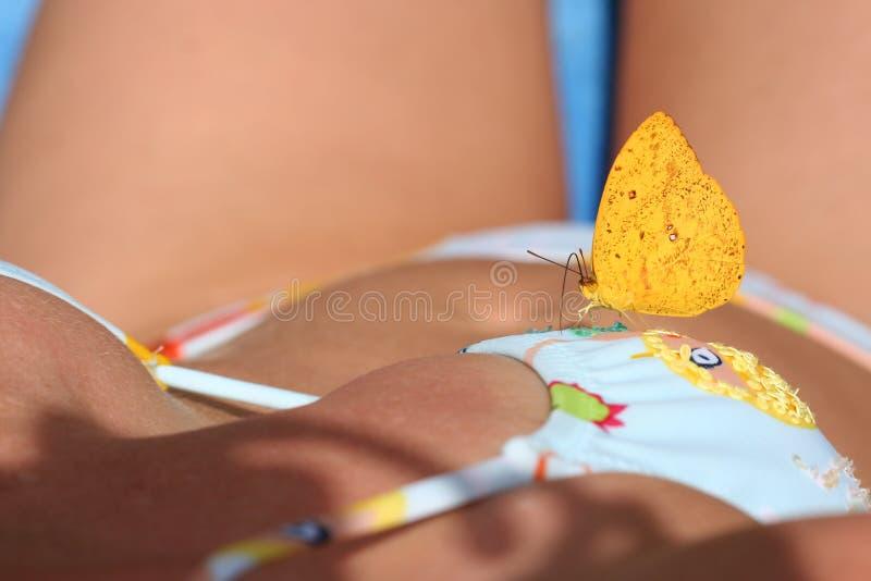 Mariposa y mujer 5 imágenes de archivo libres de regalías