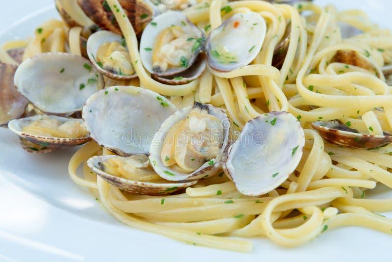Marisco italiano tradicional, vongole dos espaguetes feito com seashel fotos de stock royalty free