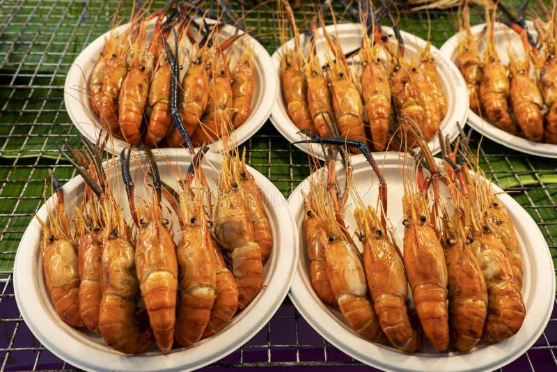 Mariscos asados a la parrilla tailandeses, barbacoa tailandesa de los mariscos, barbacoa imagen de archivo