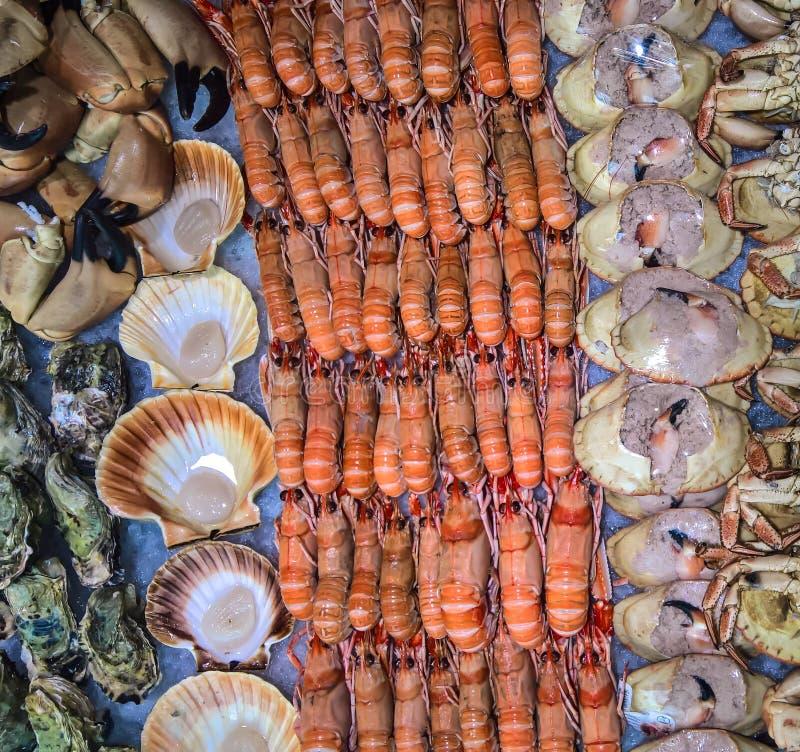 Mariscos en el mercado en Bergen, Noruega imágenes de archivo libres de regalías
