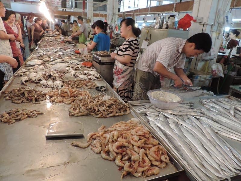 Mariscos en el mercado de China Shangai