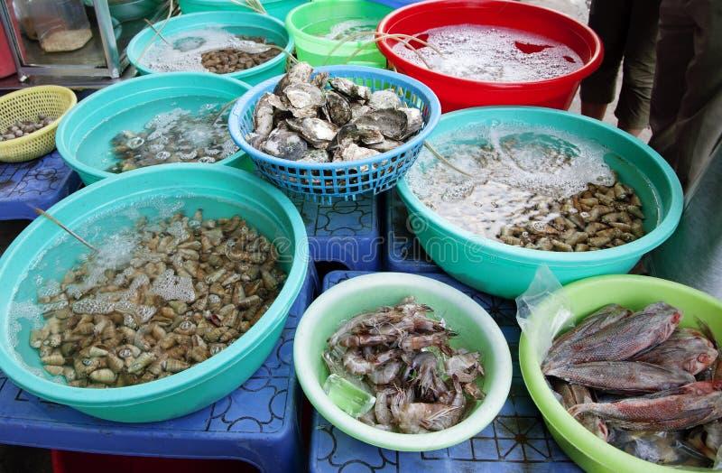 Mariscos en un mercado callejero vietnamita foto de archivo libre de regalías