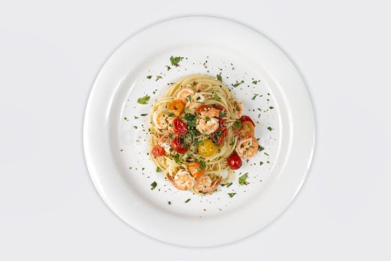 Mariscos Pastas de los espaguetis con las gambas o los camarones imagenes de archivo
