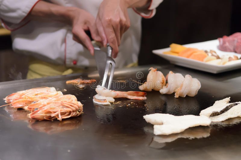 Mariscos salteados de la cocina japonesa de Teppanyaki fotos de archivo