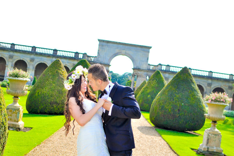 Marito e moglie al palazzo fotografie stock