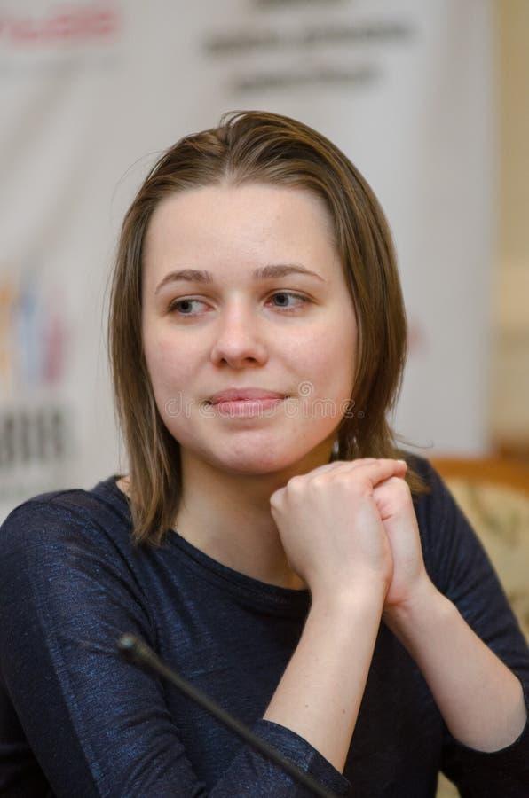 Mariya Muzychuk är en ukrainsk schackspelare arkivfoton