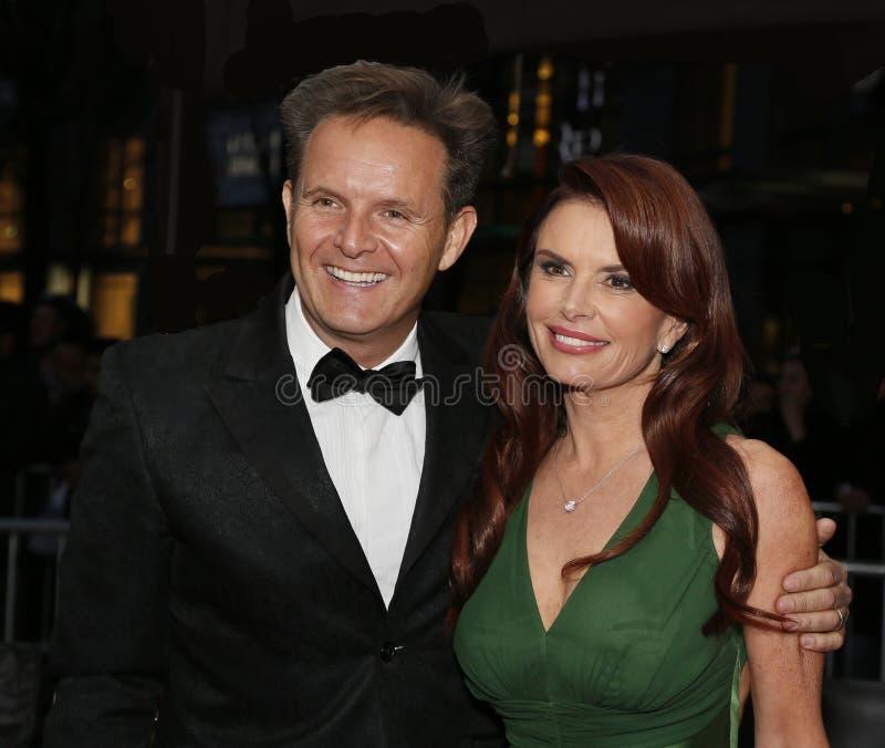 Mark Burnett e Roma Downey foto de stock royalty free