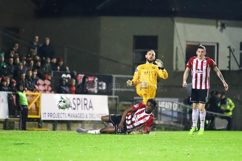 Mark McNulty på ligan av Irland den första uppdelningsmatchen Cork City FC vs Derry City FC arkivfoton