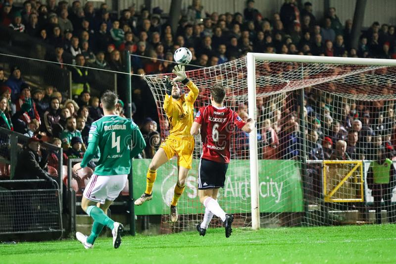 Mark McNulty på ligan av Irland den första uppdelningsmatchen Cork City FC vs Derry City FC royaltyfri fotografi