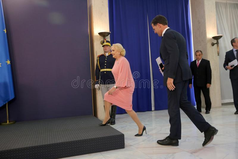 Mark Rutte et Viorica Dancila photographie stock libre de droits