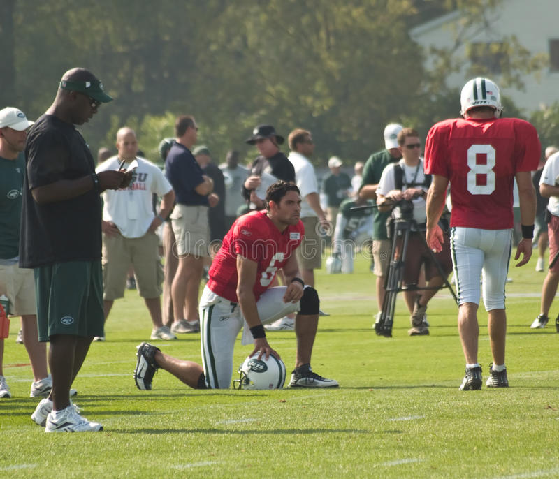 Download Mark Sanchez And Mark Brunell Editorial Photography - Image: 15445167