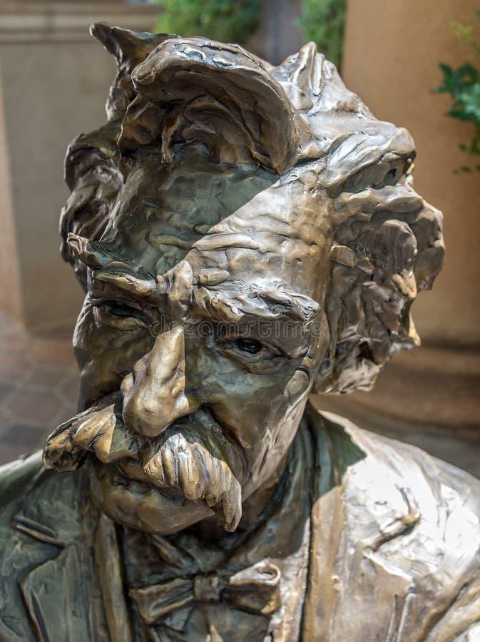 Mark Twain in brons stock afbeeldingen