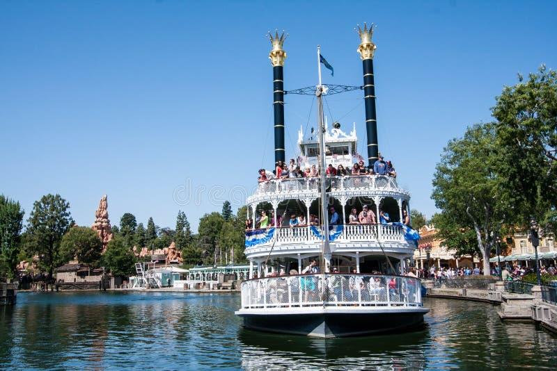 Mark Twain Riverboat bei Disneyland, Kalifornien stockbild