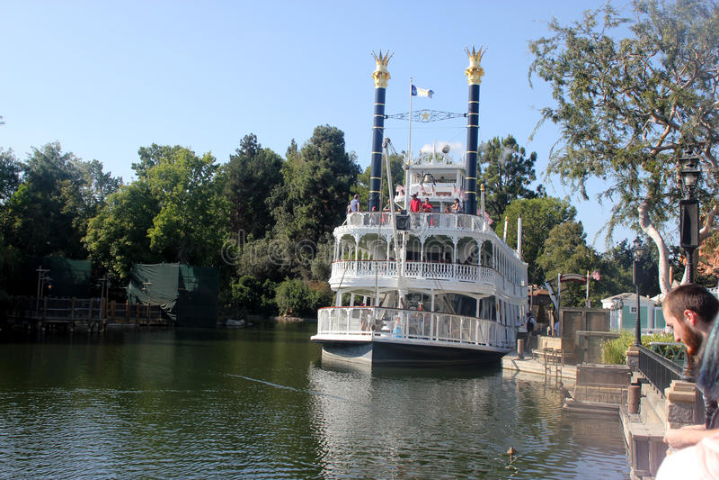 Mark Twain Riverboat, Disneyland, Anaheim, Californië royalty-vrije stock afbeelding