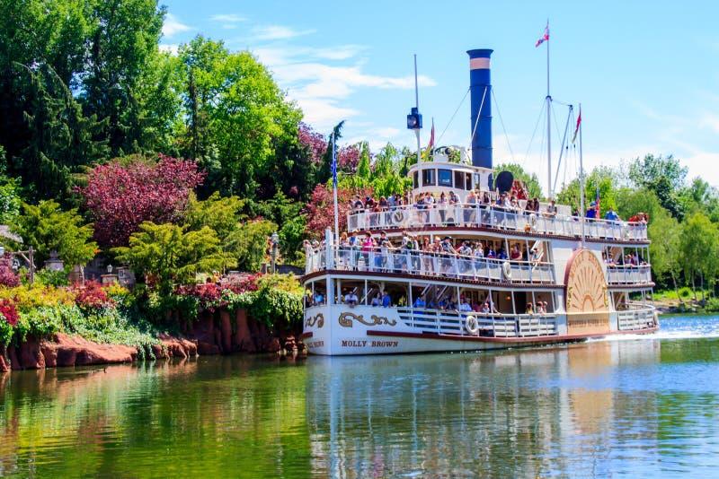 Mark Twain Riverboat på Disneyland Paris Landning för åskamesa-riverboat Fotomateriel arkivfoto