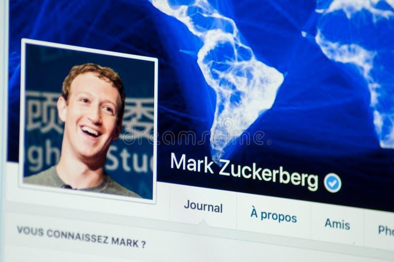 Mark Zuckerberg sidakonto på Facebook royaltyfria foton