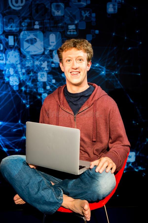 Mark Zuckerberg vaxfigutr i madamen Tussaud San Francisco fotografering för bildbyråer