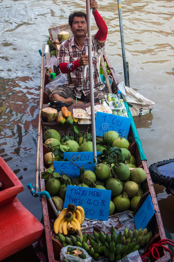 Marke Ampahwa плавая стоковые фото