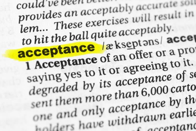 Markerade engelska uttrycker `-godtagande` och dess definition i ordboken royaltyfri foto