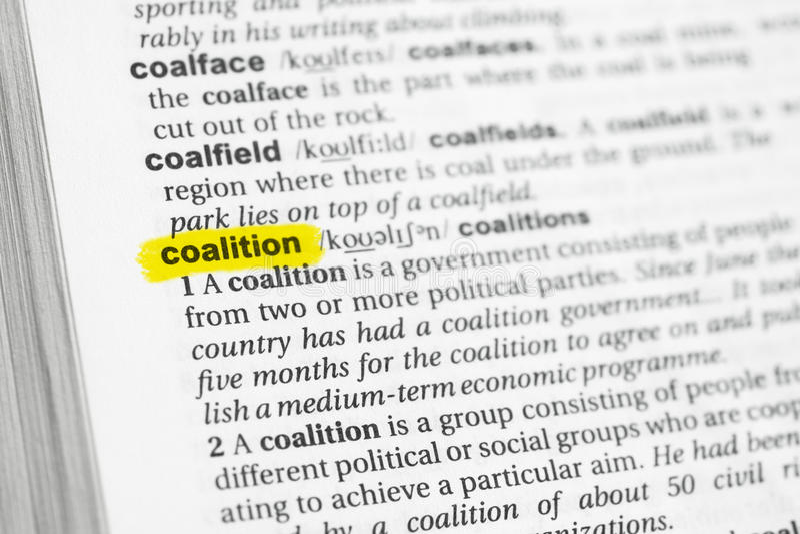 Markerat engelskaord & x22; coalition& x22; och dess definition på ordboken fotografering för bildbyråer