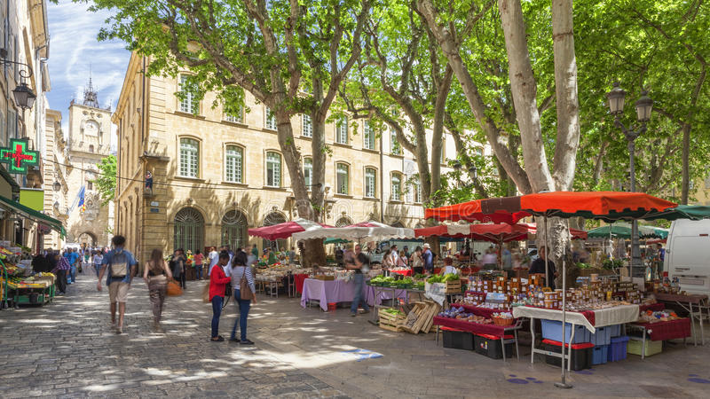 Market on a square in Aix en Provence royalty free stock photos