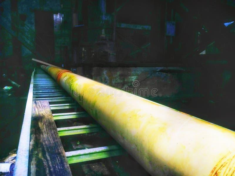 Market Street abandonou o central elétrica Nova Orleães Louisiana no rio Mississípi fotografia de stock