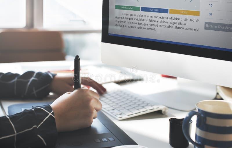 Marketing het Concept van het de Analyserapport van het Nieuwsartikel stock fotografie