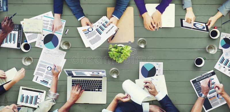 Marketingowa analiza Rozlicza Biznesowego spotkania pojęcie zdjęcia royalty free