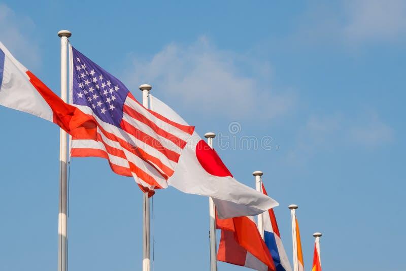 Markierungsfahnen vieler Nationen lizenzfreies stockbild