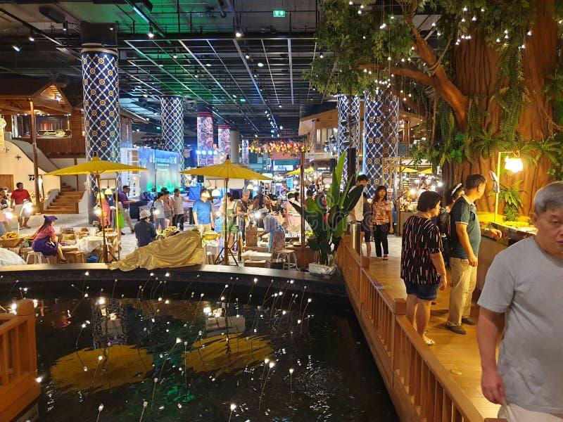 Marknad Bangkok, Thailand för vatten för Iconsiam galleria inomhus royaltyfri fotografi