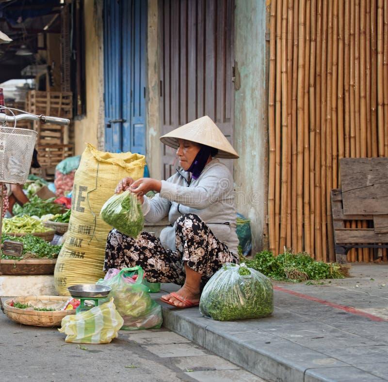 Marknad i Hoi An Vietnam arkivfoton
