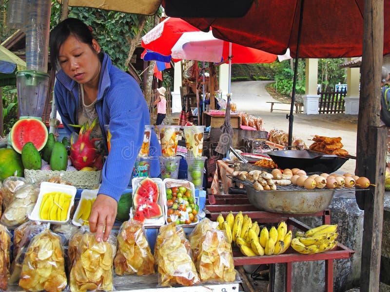 Marknad i Laos arkivfoto