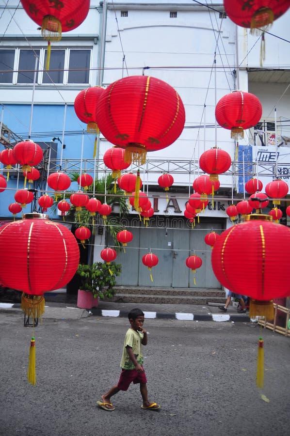 Marknader välkomnade det kinesiska nya året i Semarang arkivfoto