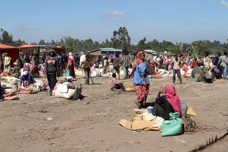 Marknadsdag på Awassa i Etiopien royaltyfri bild