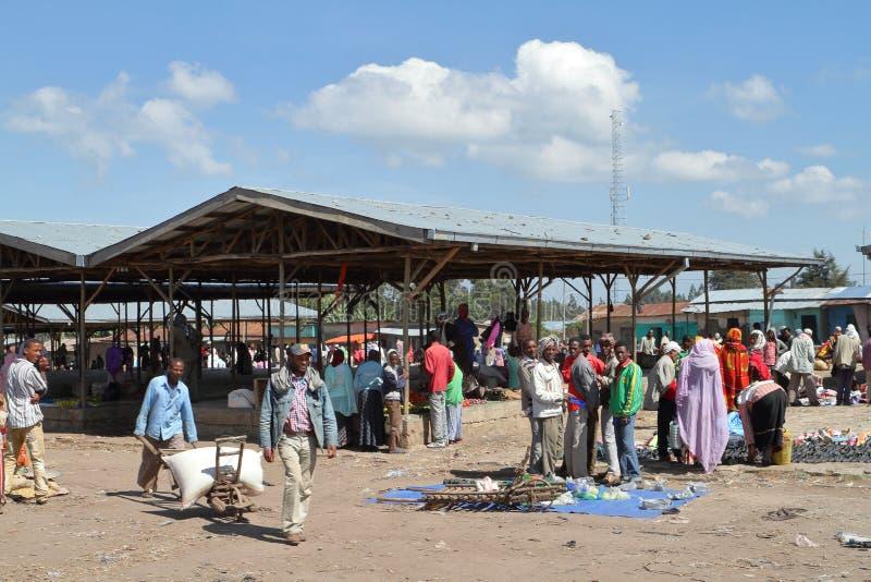 Marknadsdag på Awassa i Etiopien arkivfoton