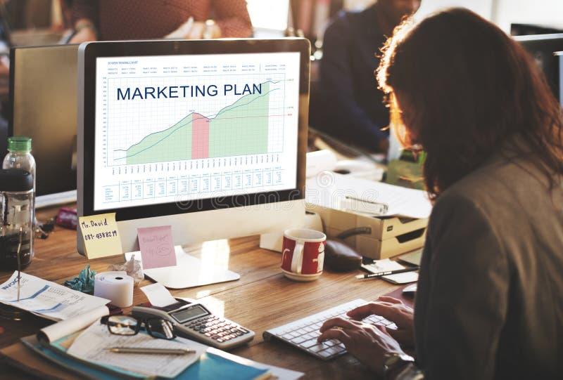 Marknadsföringsplananalys Graphs begrepp för affärsmål arkivfoton