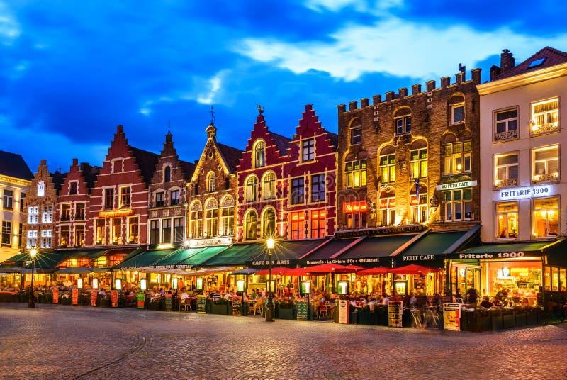 Marknadsfyrkant, Bruges royaltyfri bild
