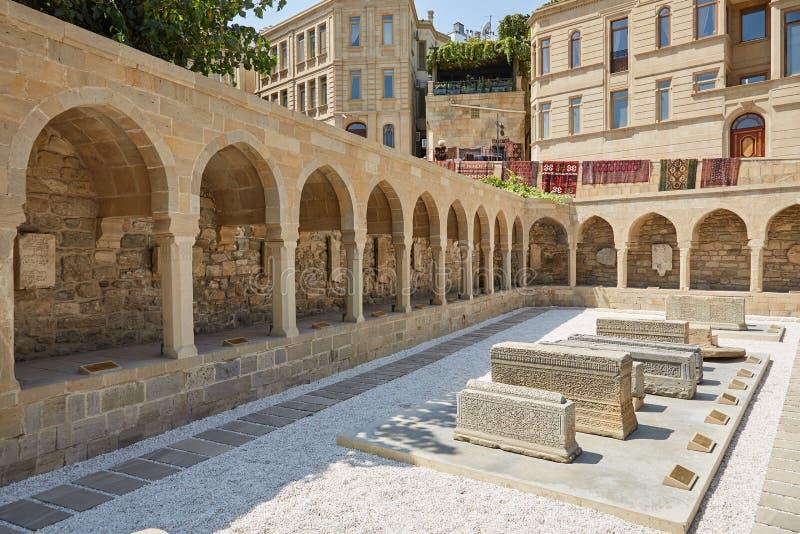 Marknadsfyrkant i Baku arkivbild