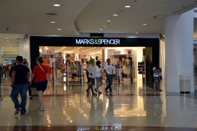 Marks&Spencer lager arkivbild