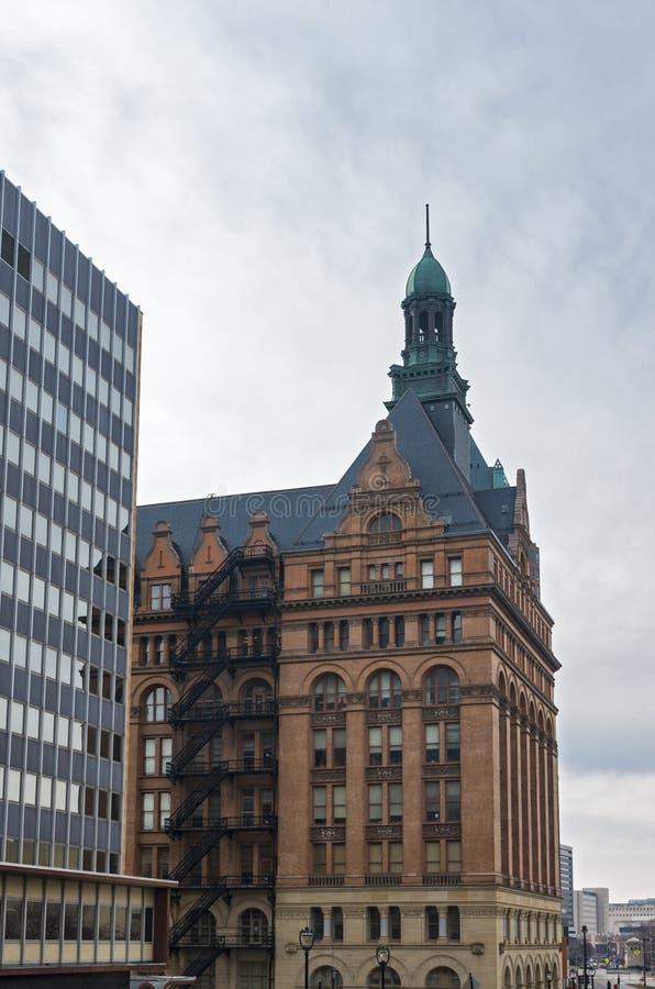 MarksteinRathaus und Sozialstation in Milwaukee lizenzfreie stockfotos