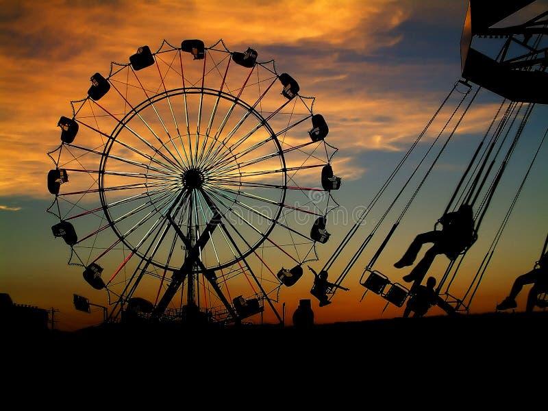 Markt bij zonsondergang