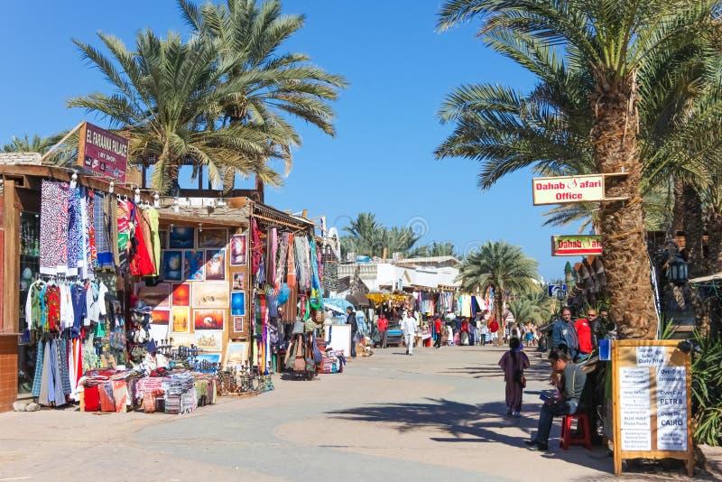Markt in Dahab, Egypte stock foto's