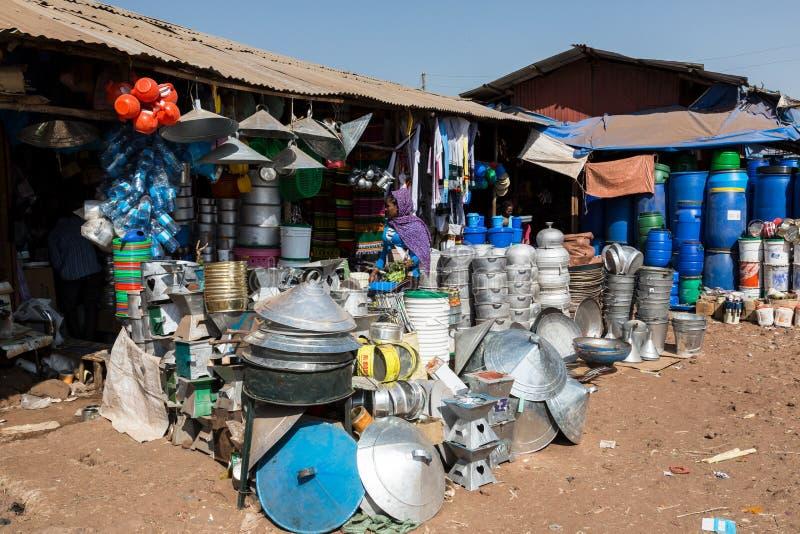 Markt in de krottenwijken van bahir dar, Ethiopië, REDACTIE royalty-vrije stock foto