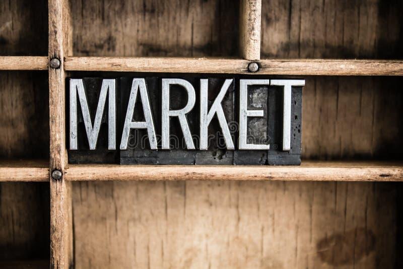 Markt-Konzept-Metallbriefbeschwerer-Wort im Fach lizenzfreies stockbild
