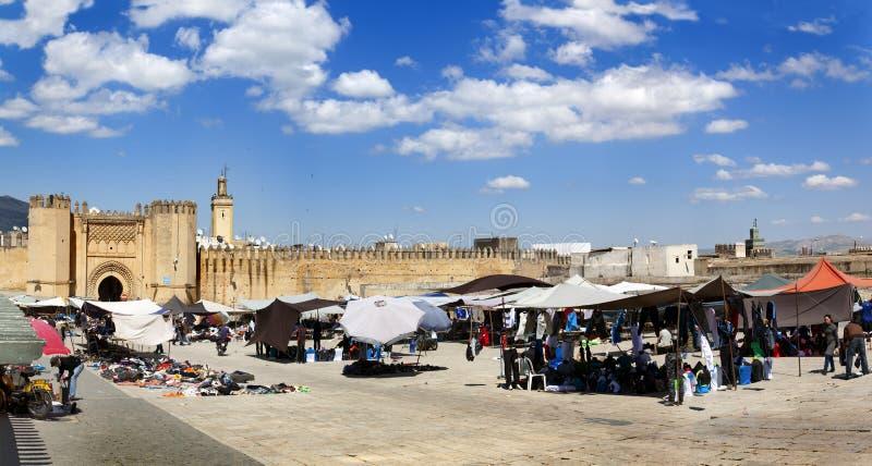 Markt in medina van Fez, Marocco stock afbeeldingen